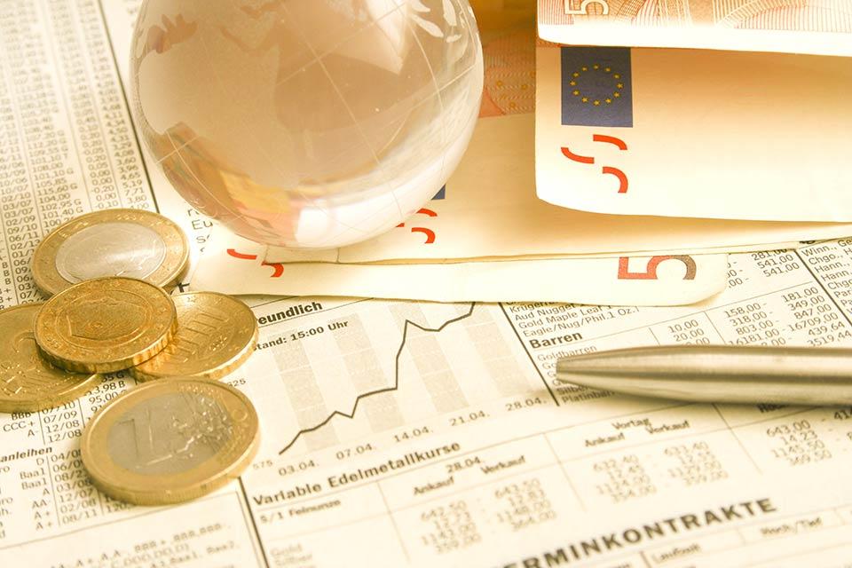 Gewerbetreibende, Gewerbegesellschafter und sogenannte Neue Selbständige haben in der Regel 1,53 % der vorläufigen Beitragsgrundlage der Krankenversicherung als Selbständigenvorsorge zu bezahlen.