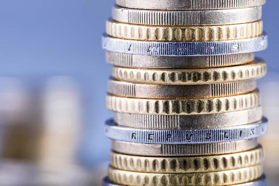 Alle Unternehmer, die regelmäßig weniger als 51 Dienstnehmer beschäftigen, können den Zuschuss erhalten, wenn sie einen Antrag stellen.